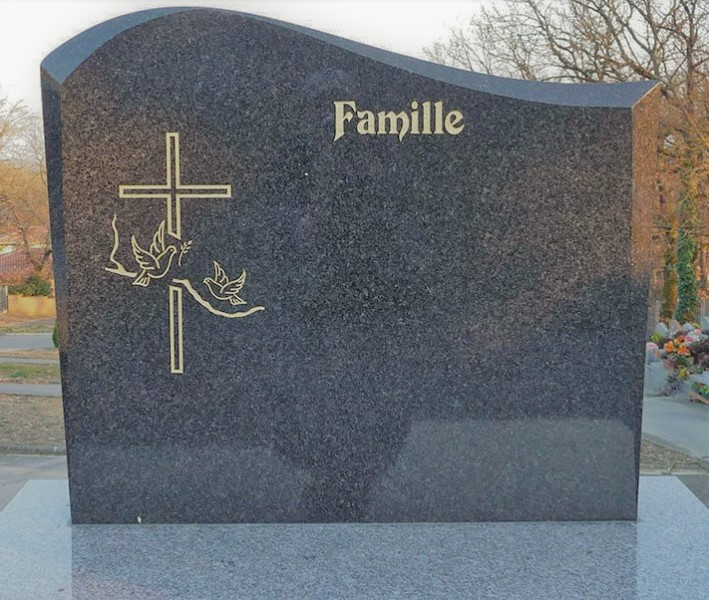 Un exemple de stèle funéraire par Yves Alphé